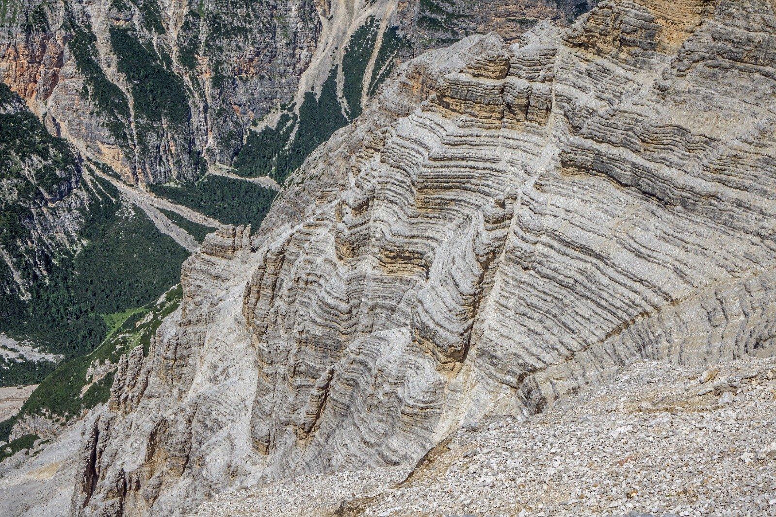 Cortina's Geological history